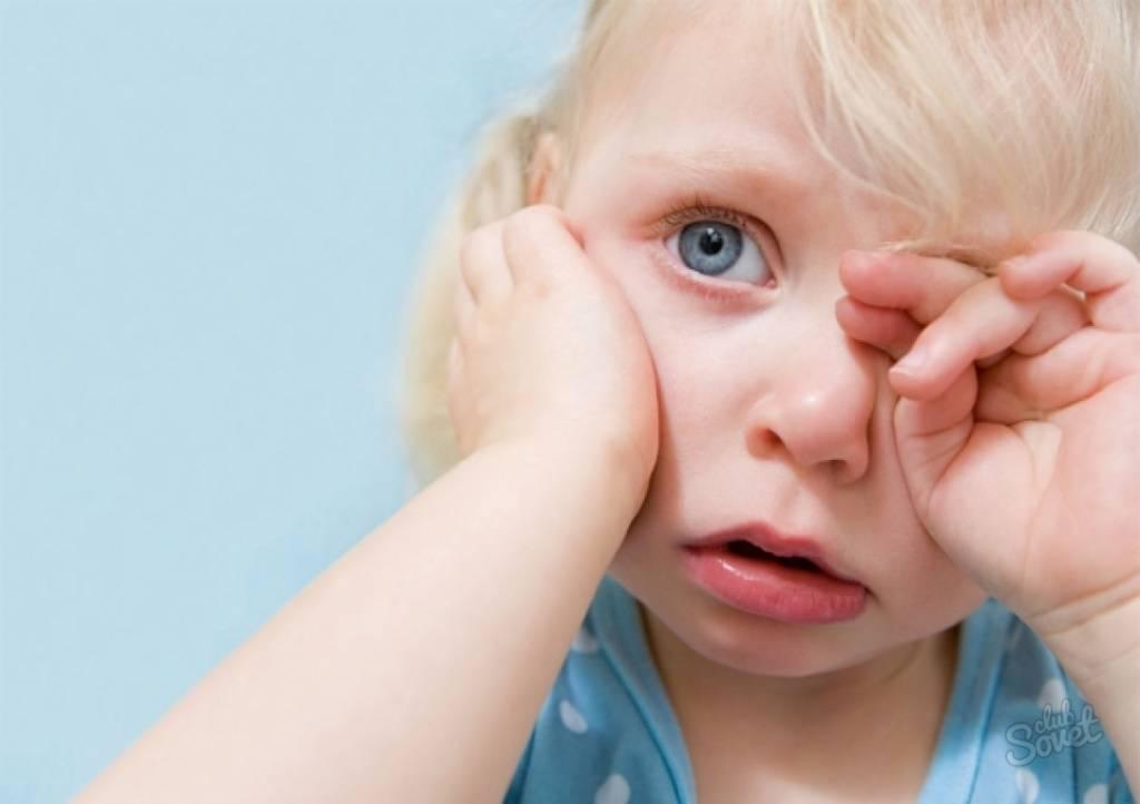 Реки слёз: почему маленький ребенок постоянно плачет и что с этим делать?