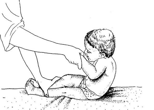 Как научить ребенка сидеть самостоятельно, садиться из положения лежа: видео