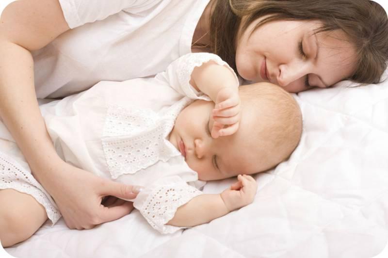 Как отучить ребенка спать с мамой: полезные советы