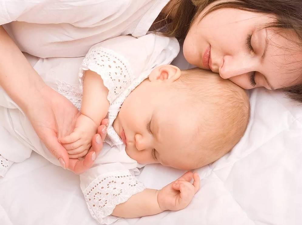 Как отучить ребенка засыпать на руках без укачиваний