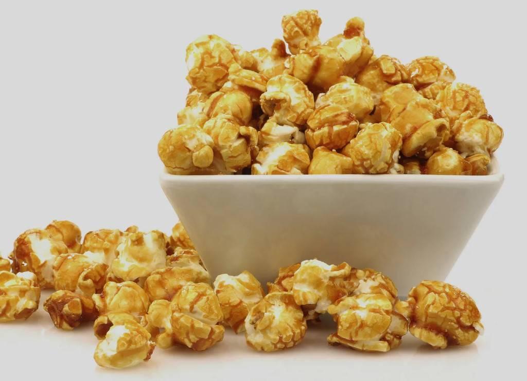 Кукуруза при грудном вскармливании: можно ли кормящим мамам кукурузные хлопья, палочки, попкорн и другие продукты, особенности употребления