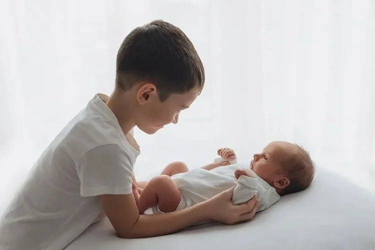 Как подготовить трехлетнего ребенка к рождению малыша