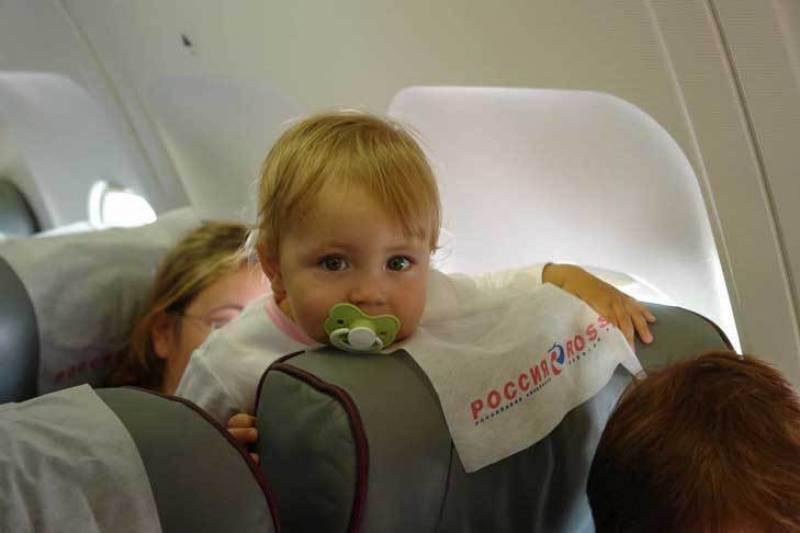 С какого возраста можно ребенку летать на самолете