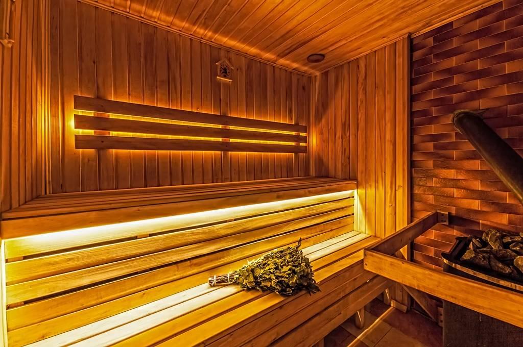 Можно ли кормящей маме в баню или сауну: правила посещения