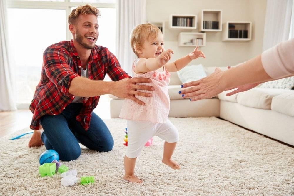 Нужно ли ребенку носить обувь дома?