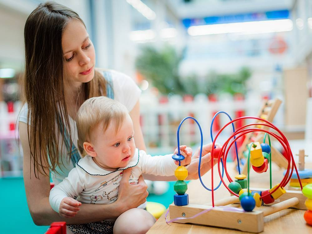 Чем можно заниматься с ребенком до года
