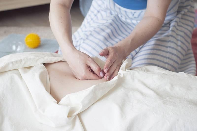 Повитухи, ладки и пеленание: о традициях и методах восстановления после родов