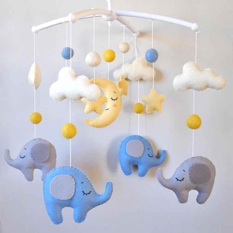 Для новорожденного с любовью: делаем развивающие игрушки своими руками