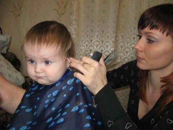 Когда первый раз стричь ребенка