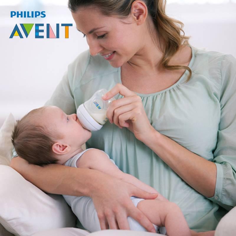 Правила кормления новорожденного сцеженным молоком из бутылочки