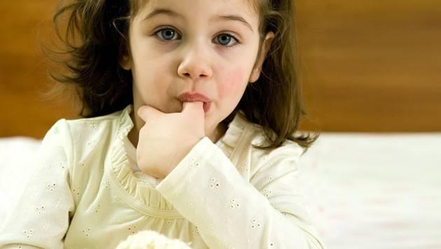 Как отучить ребёнка сосать пальцы??? - болталка для мамочек малышей до двух лет - страна мам