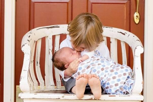 Как подготовить ребенка к рождению второго: дружба на всю жизнь
