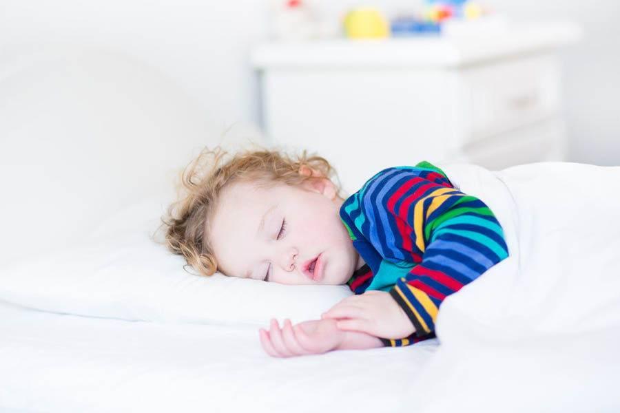 Эффективные методы по отучению ребенка от укачивания перед сном