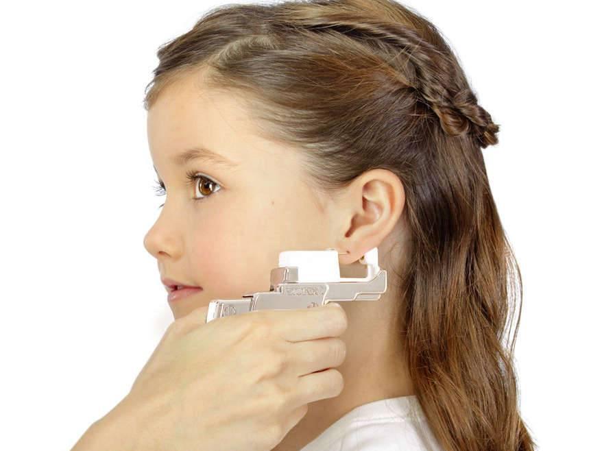 Что нужно знать перед тем как проколоть уши ребенку   солар
