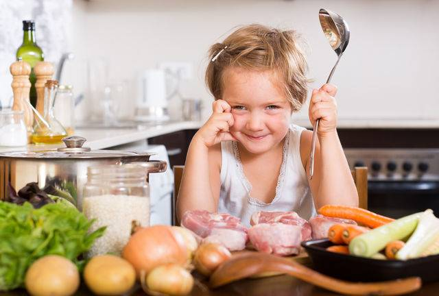 Ребенок не есть мясо. что делать и чем заменить?