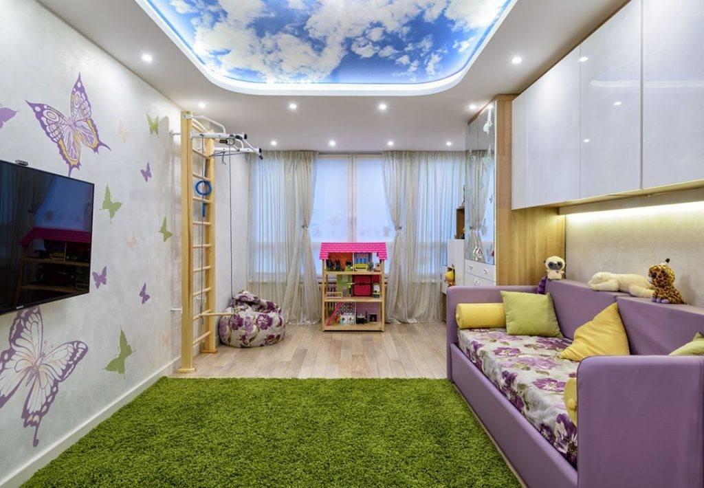 Подвесные потолоки из гипсокартона в маленькой и узкой комнате