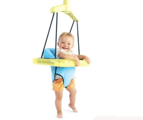 Детские ходунки: польза, вред, как выбрать