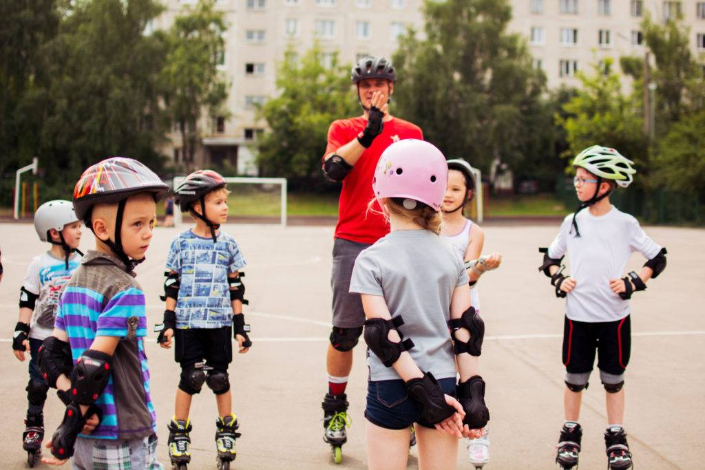 Как научить ребенка кататься на роликах в 4-5 лет: занятия, видео | физическое развитие | vpolozhenii.com