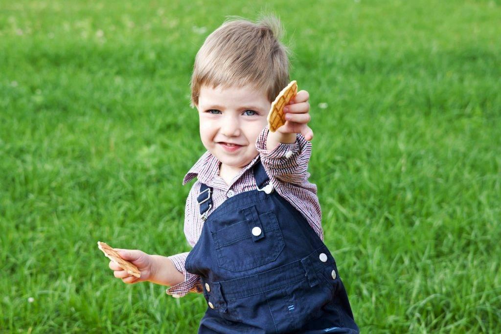 Как воспитать нравственного человека: какие моральные ценности прививать с детства