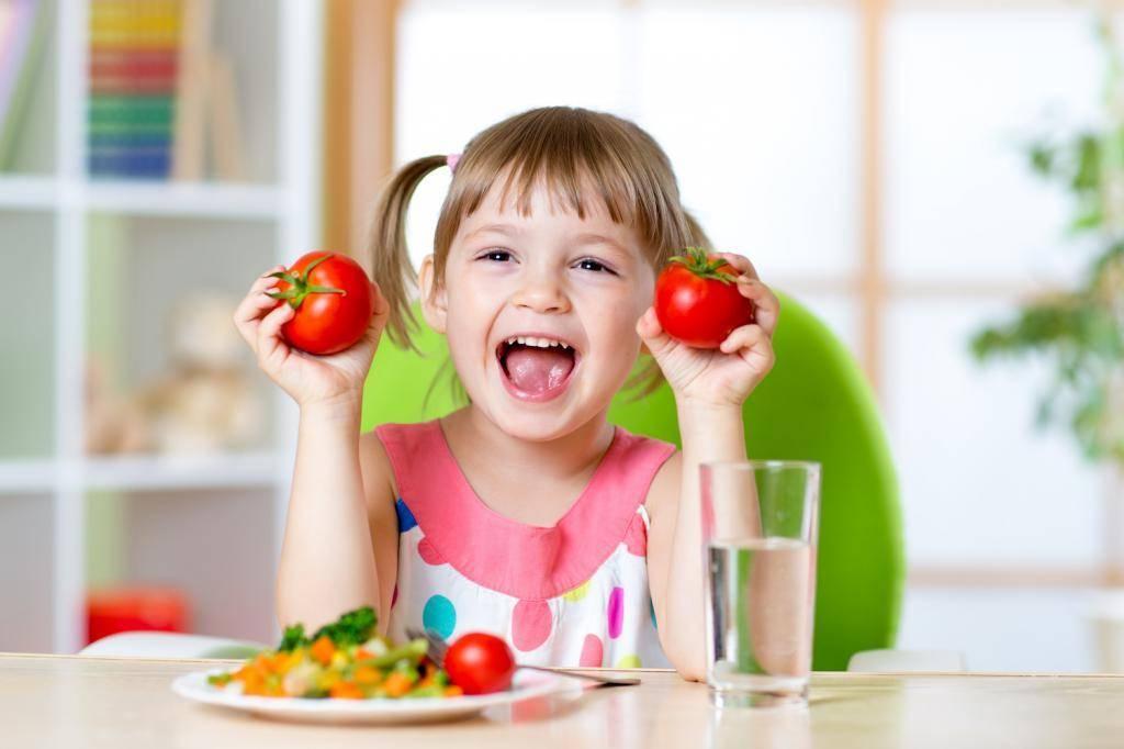 С какого возраста можно давать ребенку помидоры: когда и во сколько месяцев давать грудничку томаты