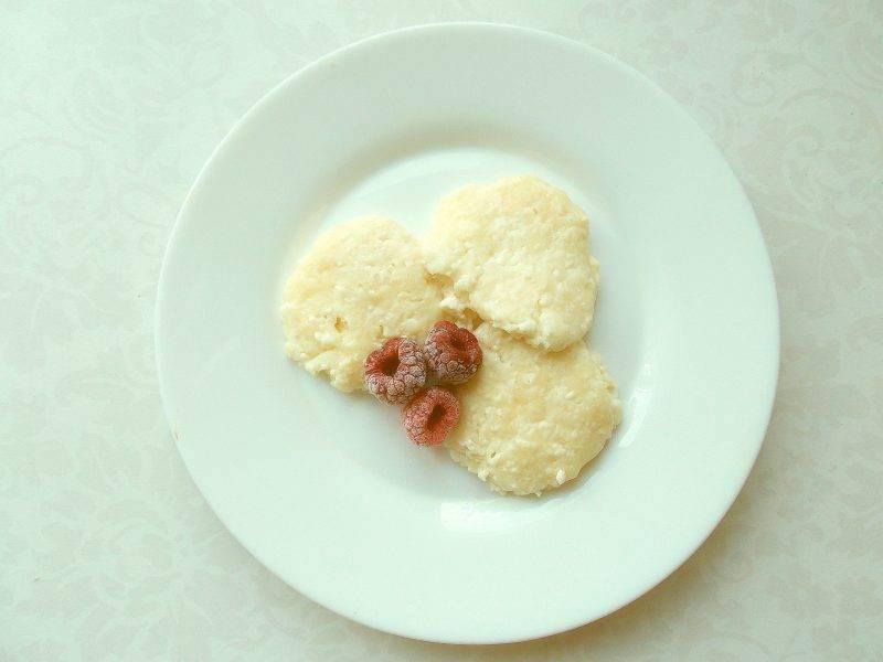 Творожная запеканка и сырники для кормящей мамы: можно ли при грудном вскармливании и другие особенности употребление