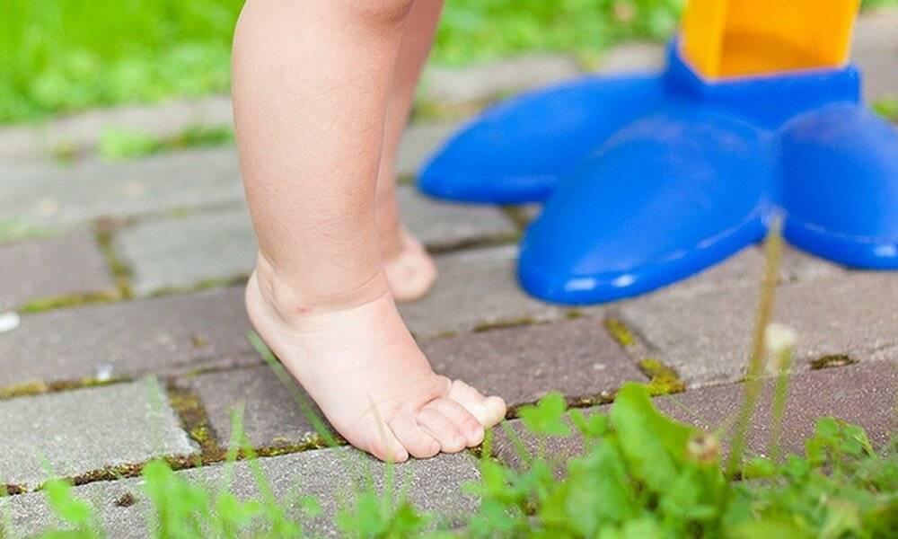 Нужно ли носить обувь дома ребенку - моймалыш