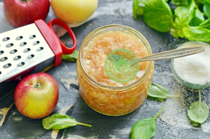 Как приготовить яблочное пюре для малыша, сохранив максимум полезных веществ