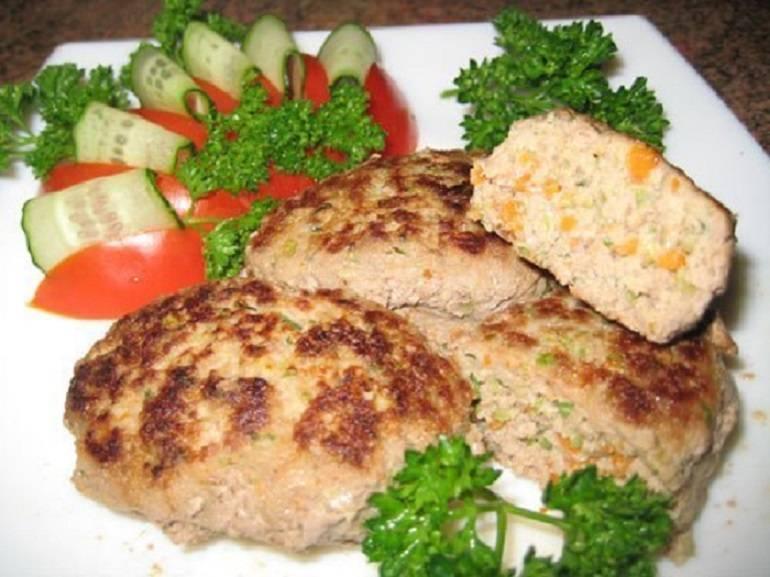 Рыбные котлеты – рецепт из тилапии, консервов, с  манкой, творогом, салом, рисом и капустой