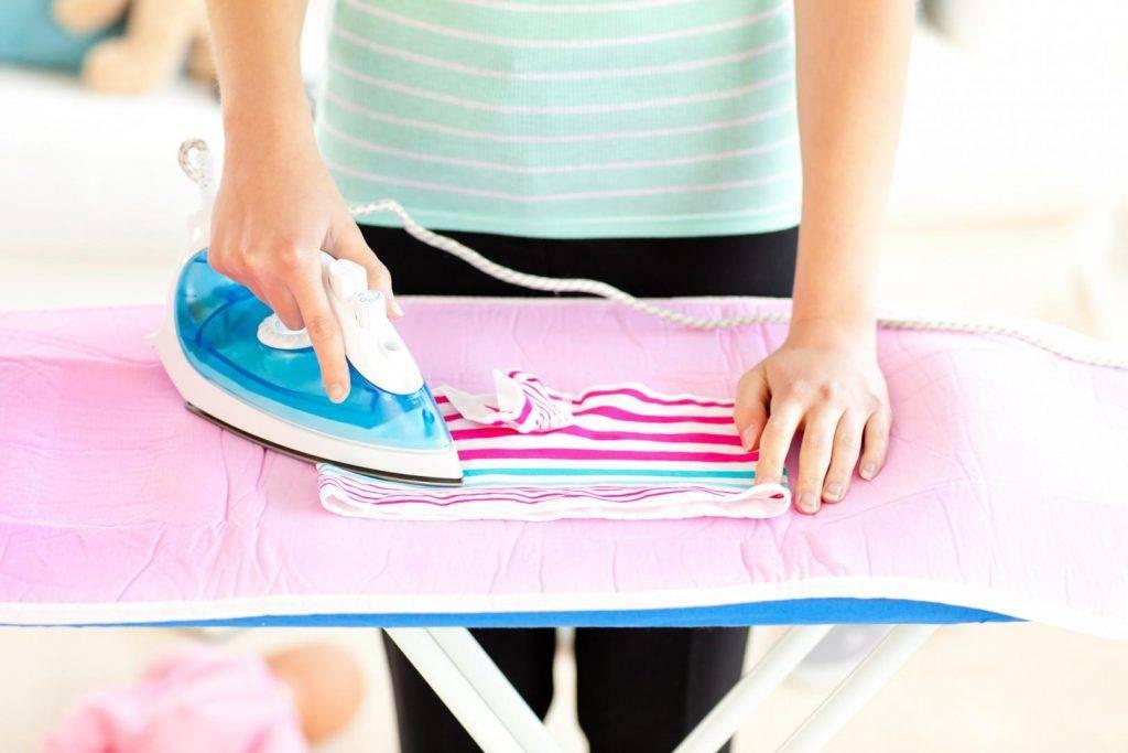 Стираем вещи новорожденного ребенка порошком, мылом, в машинке, руками… что лучше?