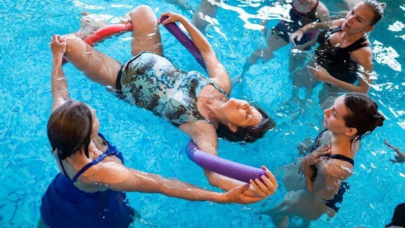 Плавание при беременности на ранних и поздних сроках. бассейн при беременности – умеренные физические нагрузки только полезны