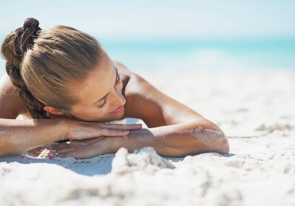 Можно ли купаться в море при ветрянке у детей, ехать на отдых после болезни и загорать на солнце?