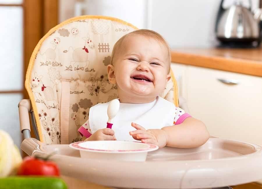 Как научить ребенка жевать твердую пищу в 1, 2 года, комаровский