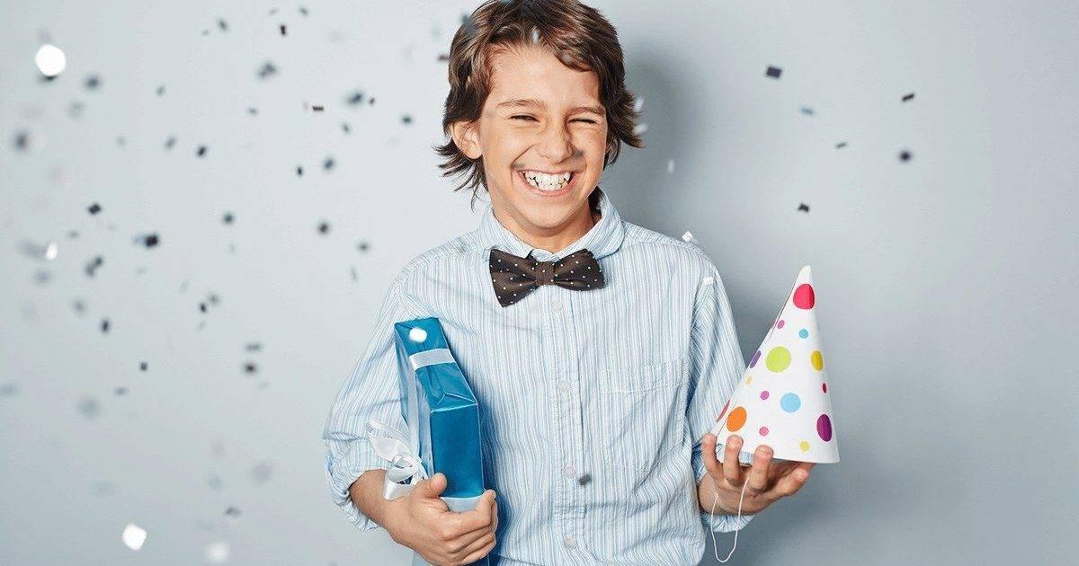 Что подарить мальчику 1,2,3,5,7,8,9,10,12,14,16 лет топ популярных игрушек и гаджетов