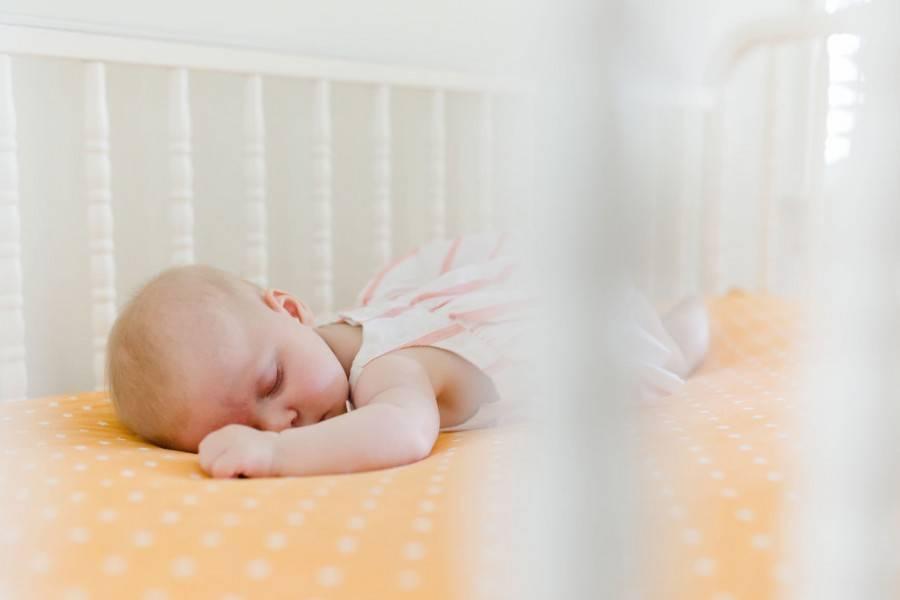 Как отучить ребенка от ночного пеленания???