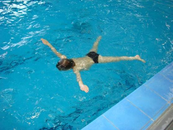 Как научить ребенка плавать в 3, 4 года и в 5 лет: упражнения и методика обучения плаванию для дошкольного возраста