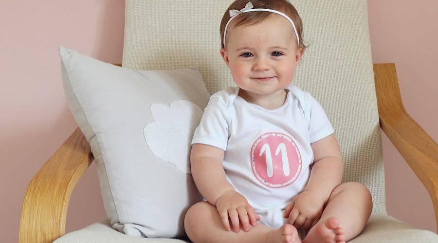 Что должен уметь ребенок в 11 месяцев. развитие ребенка