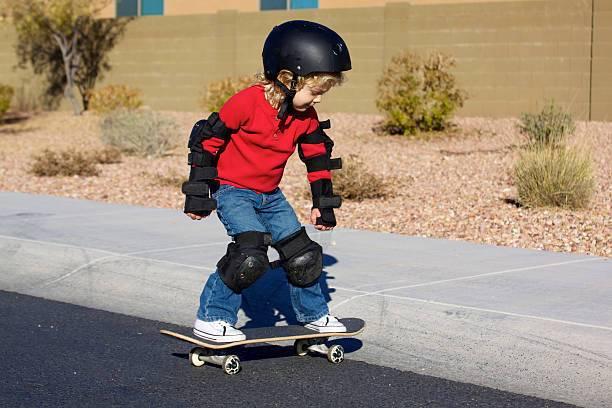 Скейтборд для начинающих детей, особенности, конструкция, материалы