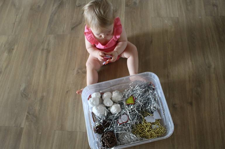 Игрушки для малышей до года своими руками   игры для детей и детского сада, развитие ребёнка дошкольного возраста, поделки и раскраски   расти умным!
