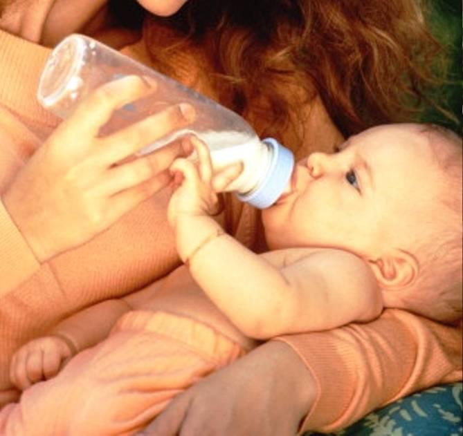 Как быстро и без слез отучить ребенка от ночного кормления?