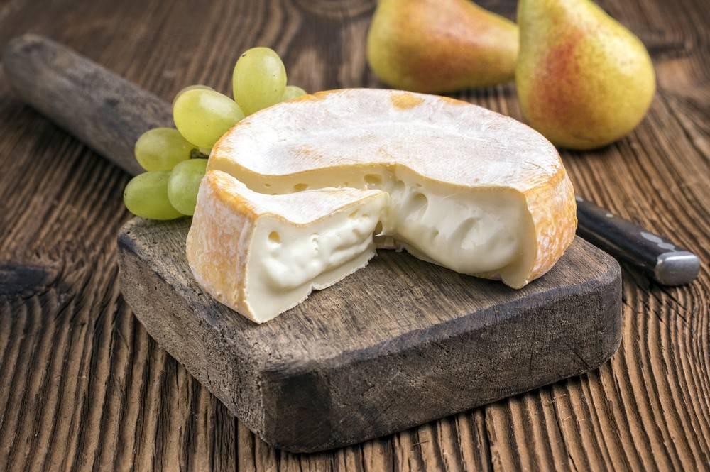 Можно ли есть сыр бри кормящей маме?