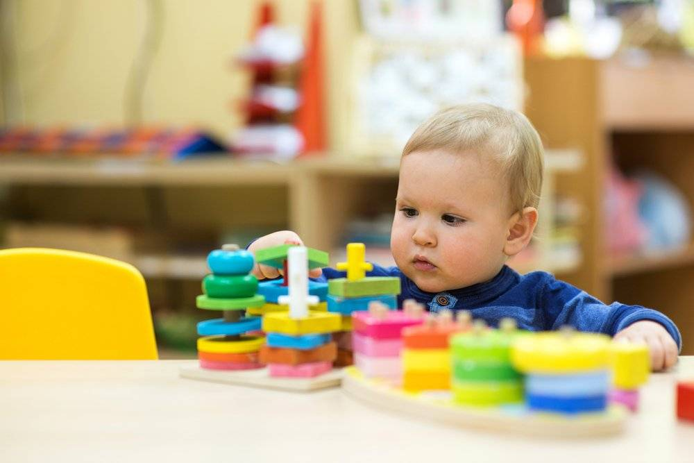 Раннее развитие детей: самые известные методики, какую выбрать и когда начинать