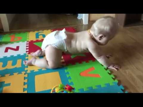 Ребенок не ползает: комплекс упражнений для освоения ребенком ползания