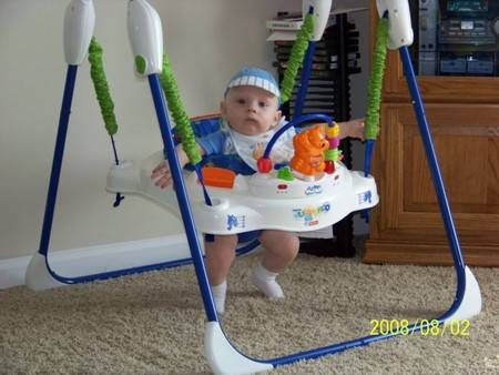 Особенности правильного выбора прыгунков для малышей