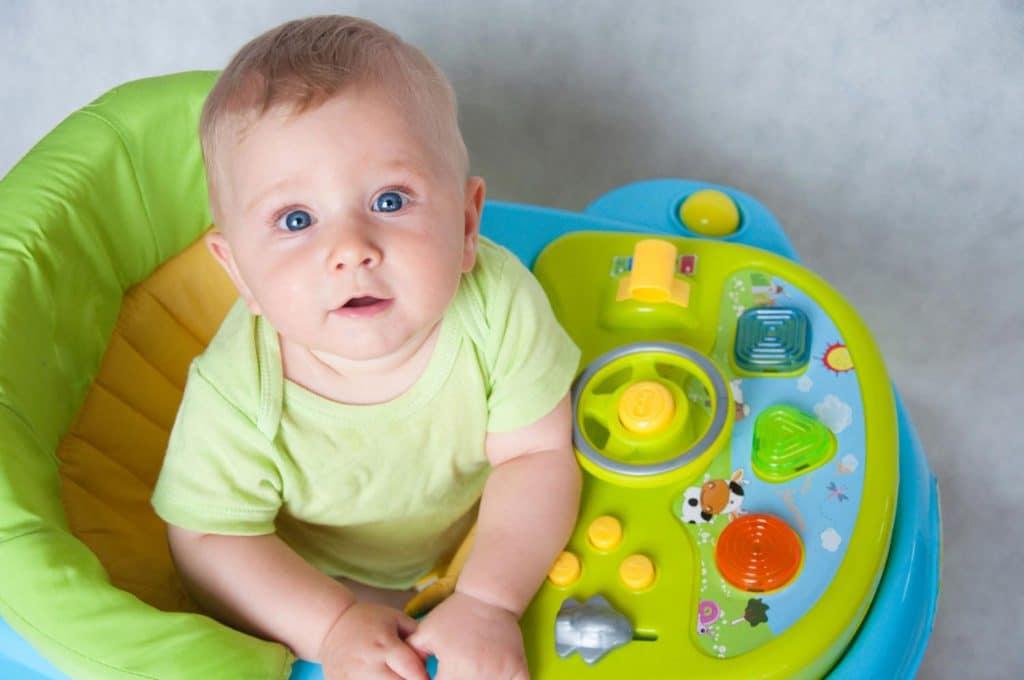 Е. комаровский: ходунки для малышей - все «за» и «против», возраст