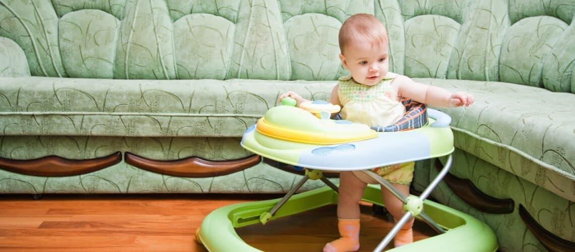 Нужны ли ребенку ходунки? с какого возраста и зачем?