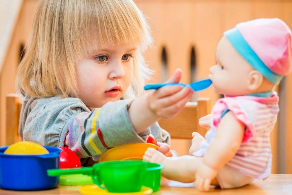 Как научить ребенка правильно сморкаться