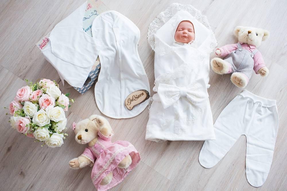 Выписка из роддома летом: во что одеть ребенка, что нужно для новорожденного - список