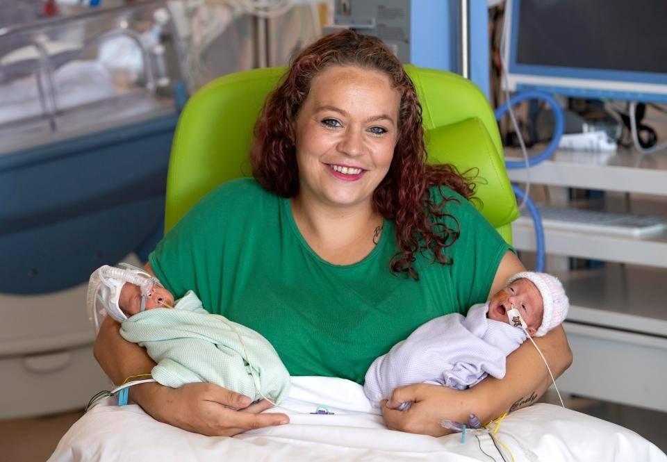 Беременность двойней по неделям. многоплодная беременность, признаки на ранних сроках