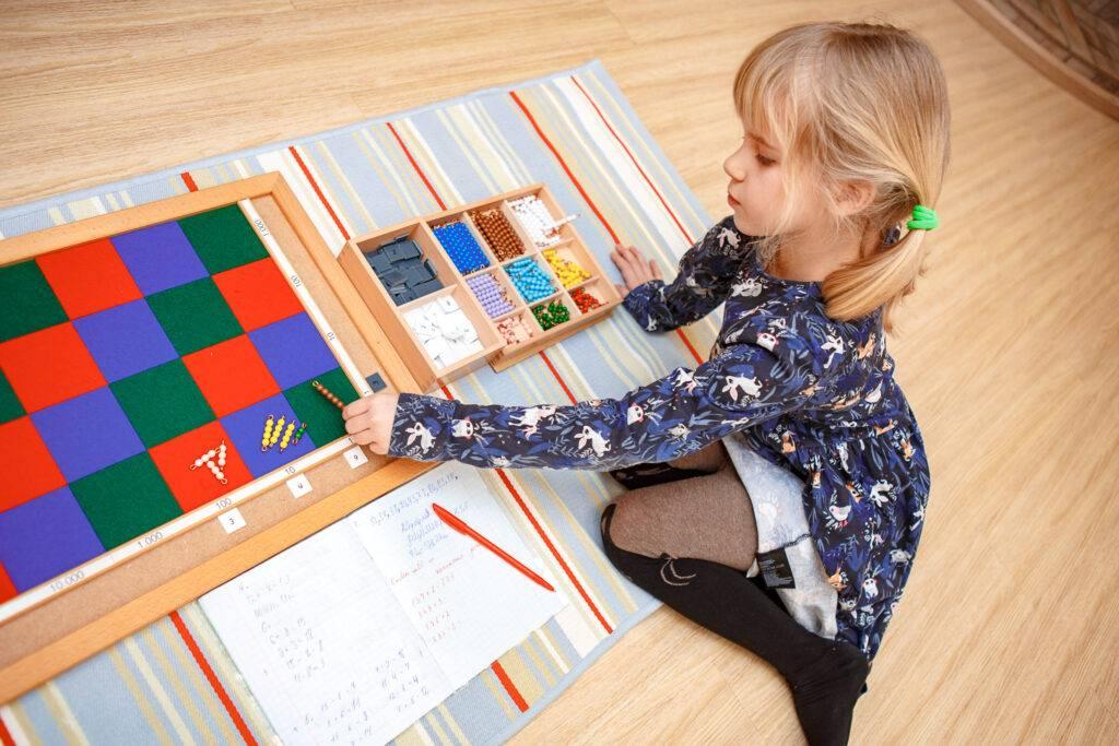 Монтессори: методика раннего развития, суть и принципы, плюсы и минусы системы