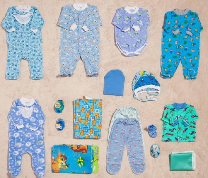 Список вещей для новорожденного на первое время зимой: что нужно из теплой одежды брать ребенку на выписку, какие самые необходимые товары купить в коляску?
